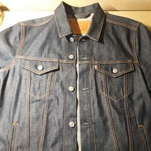 Levi's Denim Jacket Size Large Amazing Condition!!